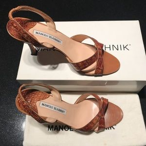 Manolo Blahnik alligator heeled sandals 38